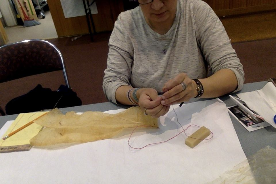 sewing-gut-by-yupik-museum
